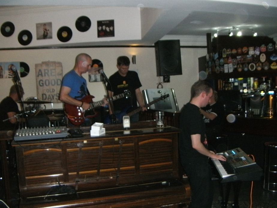 Kit B (and a piano) live at the Salford Arms