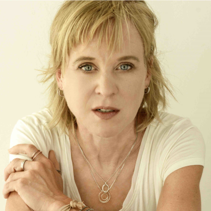 Kristin_Hersh_3_color_-_photo_credit_Peter_Mellekas